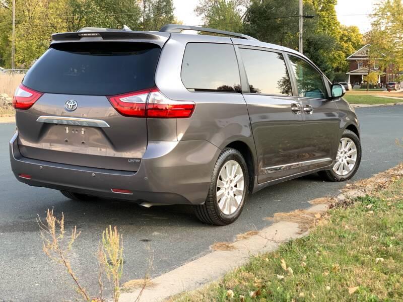 2016 Toyota Sienna Limited 7-Passenger 4dr Mini-Van - Farmington MN
