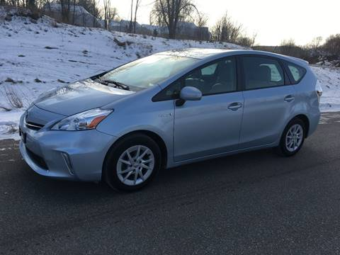 2013 Toyota Prius v for sale in Shakopee, MN