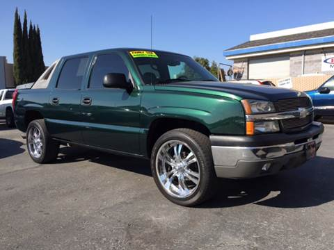 2003 Chevrolet Avalanche for sale at Cars 2 Go in Clovis CA