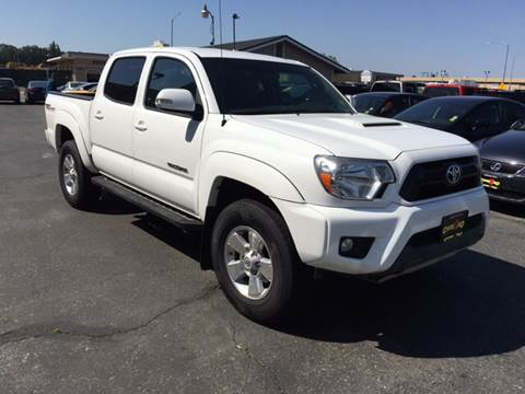 2015 Toyota Tacoma for sale at Cars 2 Go in Clovis CA