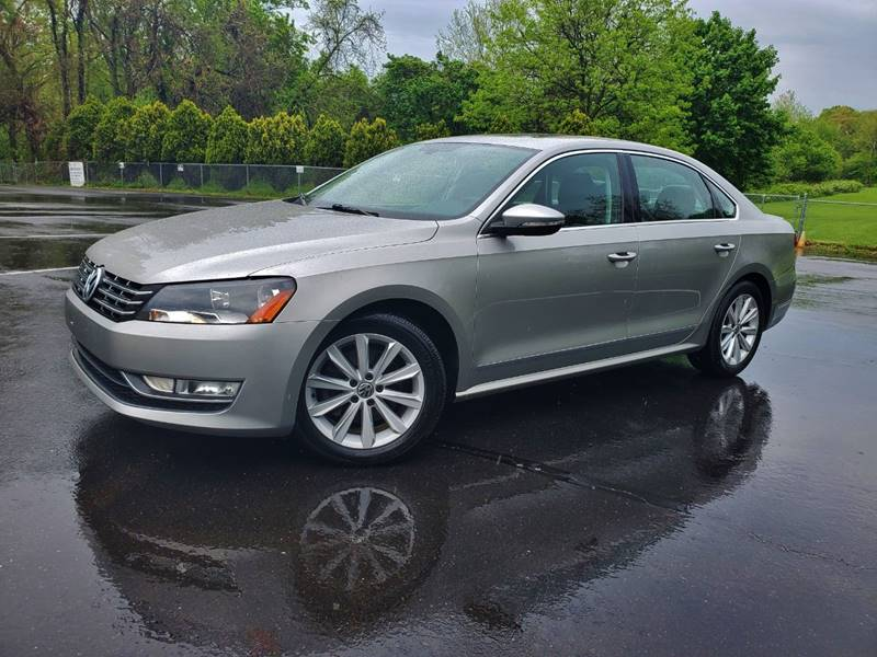 2012 Volkswagen Passat SEL PZEV 4dr Sedan 6A w/ Premium Package In