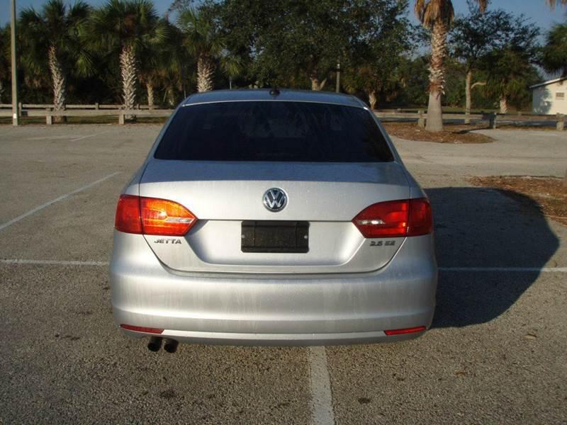 2011 Volkswagen Jetta SE 4dr Sedan 6A w/ Convenience - New Smyrna Beach FL