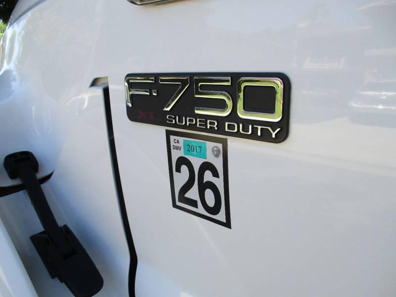 2005 Ford F-750 TRK - Van Nuys CA