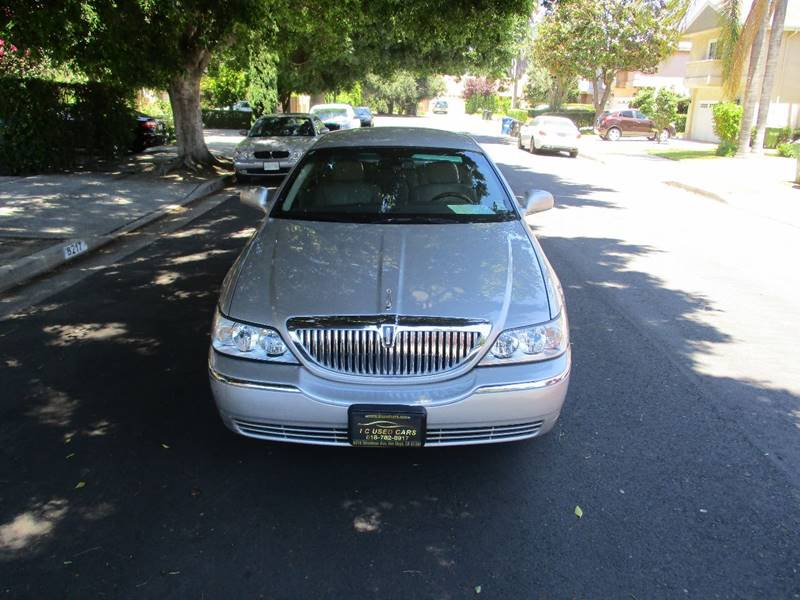 2008 Lincoln Town Car Signature Limited 4dr Sedan - Van Nuys CA