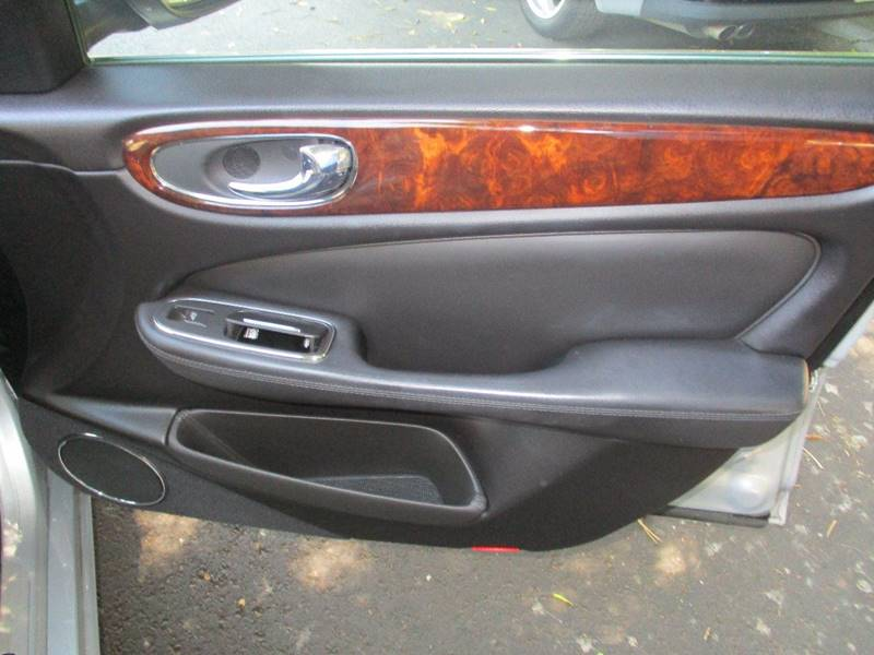 2008 Jaguar XJ-Series XJ8 L 4dr Sedan - Van Nuys CA