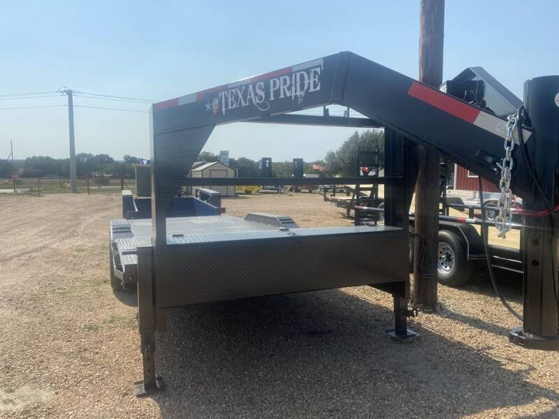 2021 TEXAS PRIDE  - Tilt Deck Drive Over Fender for sale at LJD Sales in Lampasas TX
