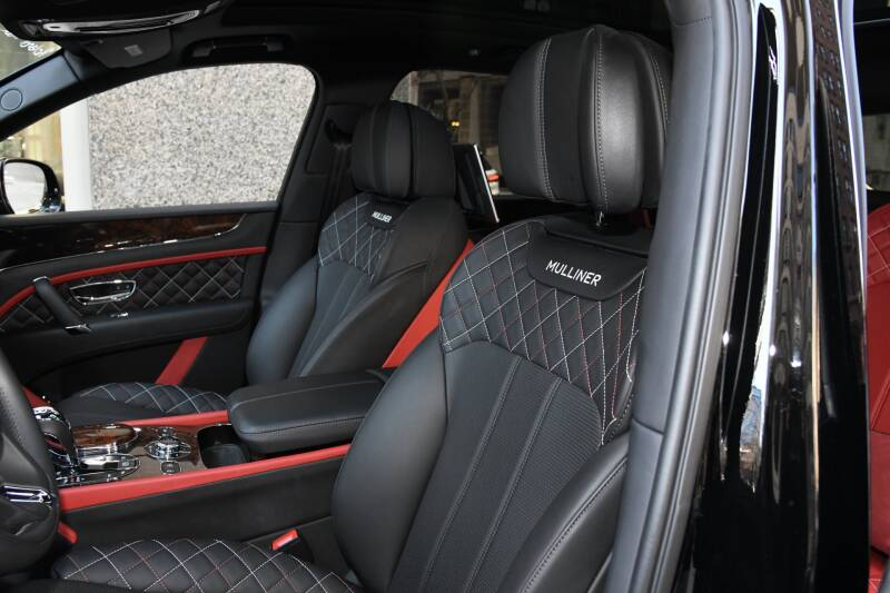 2018 Bentley Bentayga Mulliner Edition (image 10)