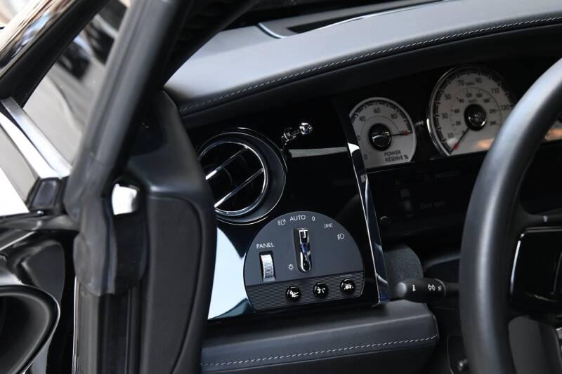2018 Rolls-Royce Wraith (image 13)