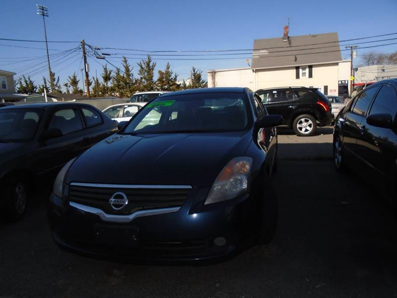 2007 Nissan Altima for sale at Rockland Center Enterprises in Roxbury MA