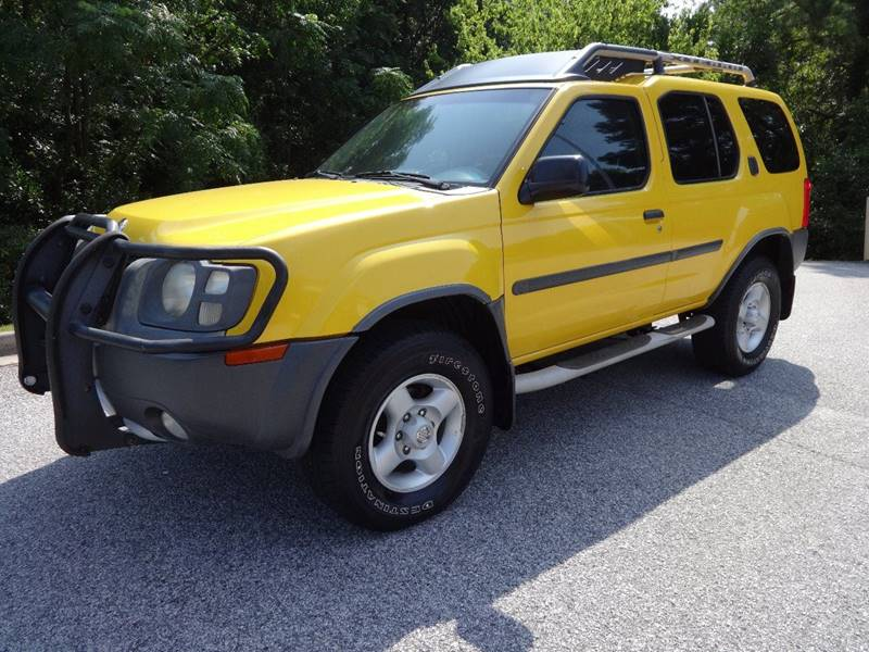 2003 NISSAN XTERRA XE-V6 4WD 4DR SUV V6 yellow 4800 cash only 4x4  running boards skid plates