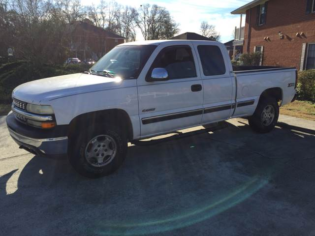 2002 CHEVROLET SILVERADO 1500 LS 4DR EXTENDED CAB 4WD SB white front bumper color - chrome rear