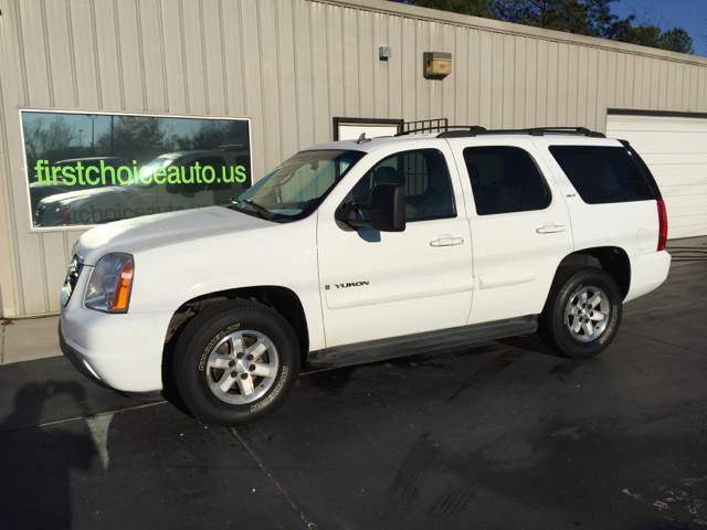2009 GMC YUKON SLT 4X2 4DR SUV W 4SB white cash only 14900 body side moldings - body-color ex