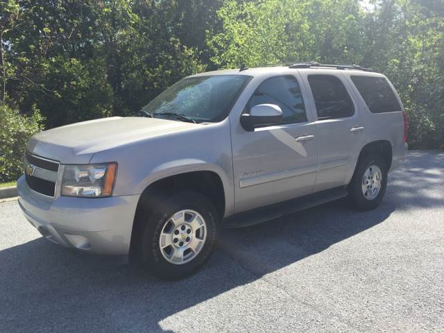 2007 CHEVROLET TAHOE LT 4DR SUV silver 8700  cash only please call 866-402-9704 running boards