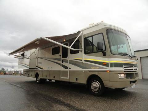 2004 Fleetwood Bounder 35R for sale at AMS Wholesale Inc. in Placerville CA