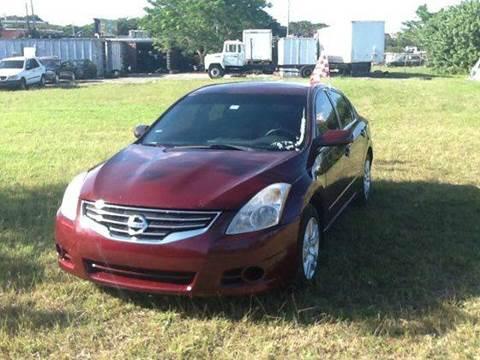 2010 Nissan Altima for sale at AUTO COLLECTION OF SOUTH MIAMI in Miami FL