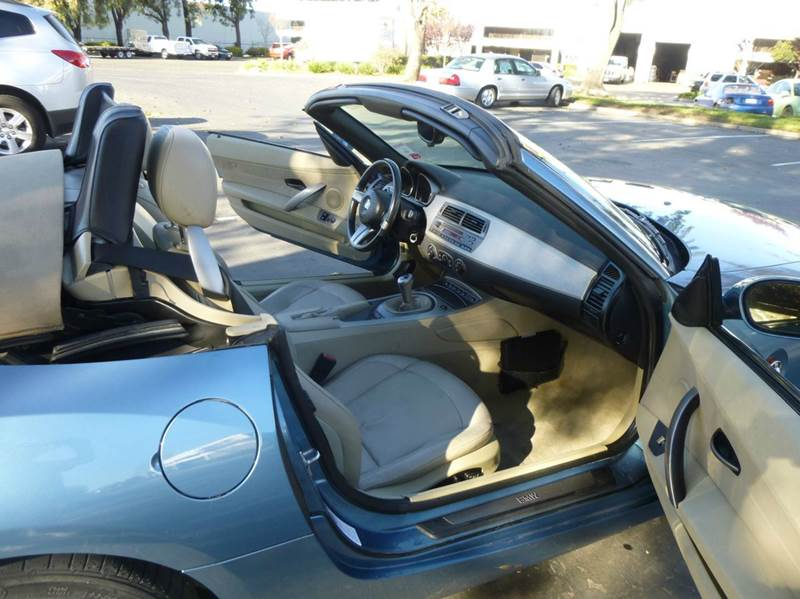2003 BMW Z4 3.0i 2dr Roadster - Hayward CA