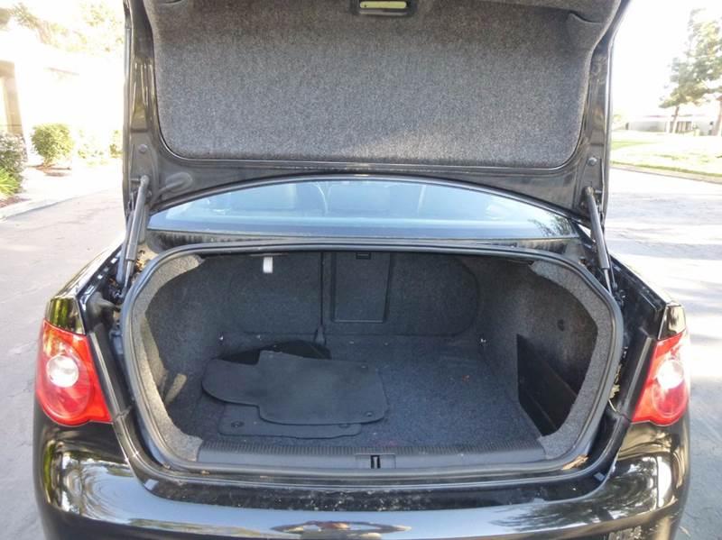 2005 Volkswagen Jetta 2.5 PZEV New 4dr Sedan - Hayward CA