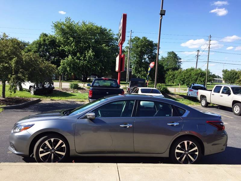 2017 Nissan Altima for sale at Midwest Motors in Indianapolis IN