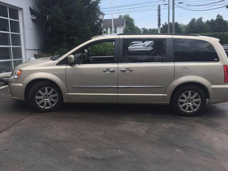 2011 Chrysler Town and Country for sale at Midwest Motors in Indianapolis IN
