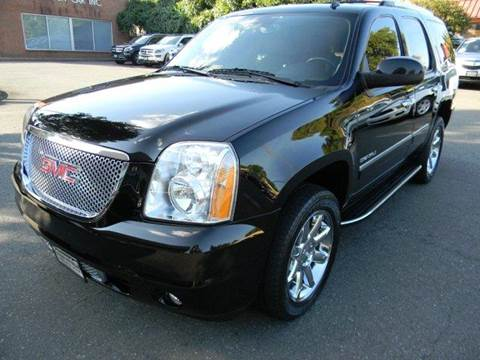 2011 GMC Yukon for sale at Platinum Motorcars in Warrenton VA