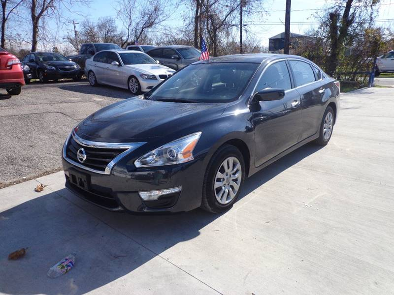 2014 NISSAN ALTIMA 25 black exhaust - dual tip door handle color - chrome exhaust tip color -