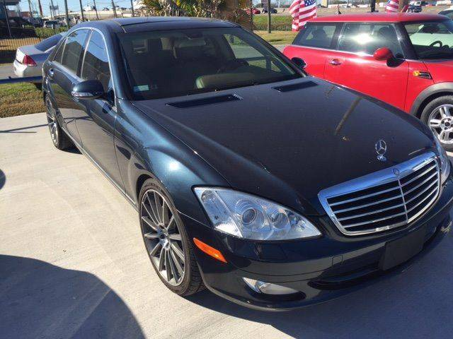 2007 MERCEDES-BENZ S-CLASS S550 4DR SEDAN black navigation and fully loaded with peanut butter in
