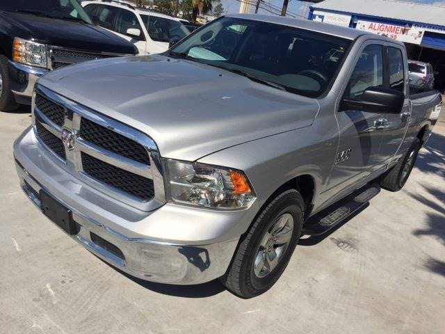 2013 RAM RAM PICKUP 1500 SLT silver bed liner like new and priced to move quick  national ship