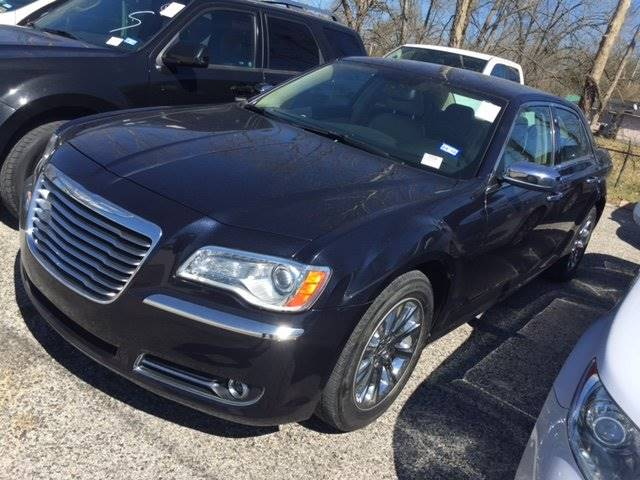 2012 CHRYSLER 300 LIMITED black loaded and ready for you to drive  deposits accepted and nati