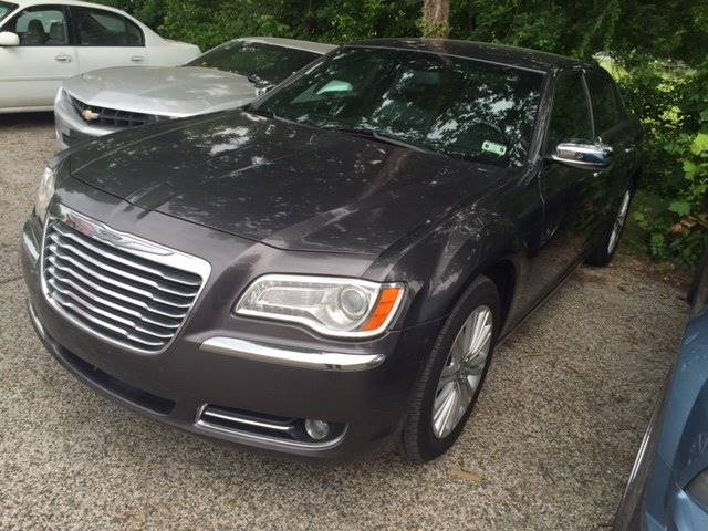 2014 CHRYSLER 300 C AWD 4DR SEDAN gray loaded and ready for you  very clean with national shippi
