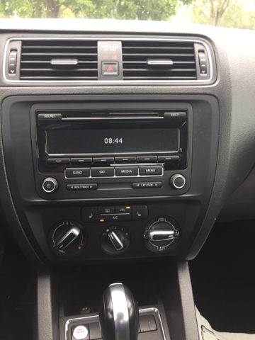 2015 Volkswagen Jetta SE PZEV 4dr Sedan 6A w/Connectivity - Junction City KS