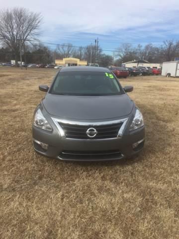 2015 Nissan Altima 2.5 S 4dr Sedan - Junction City KS