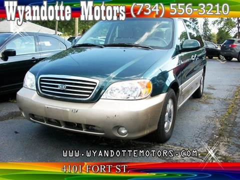 2003 Kia Sedona for sale at Wyandotte Motors in Wyandotte MI
