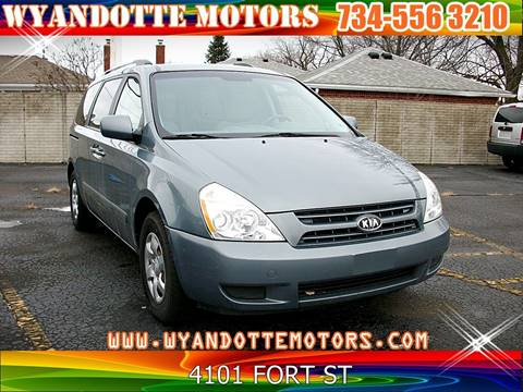 2009 Kia Sedona for sale at Wyandotte Motors in Wyandotte MI