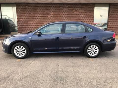 2015 Volkswagen Passat for sale in Springfield, IL