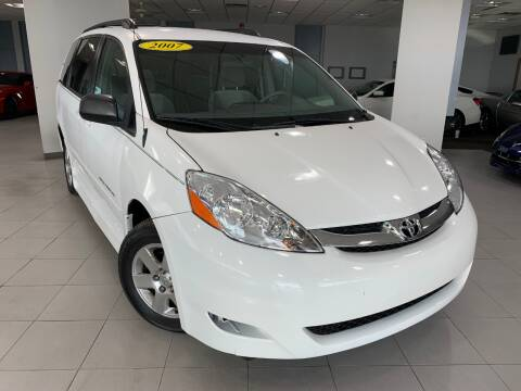 2007 Toyota Sienna for sale at Auto Mall of Springfield in Springfield IL