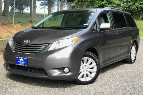 2014 Toyota Sienna for sale at TRUST AUTO in Sykesville MD
