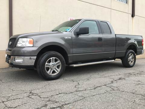 2005 Ford F-150 for sale at International Auto Sales in Hasbrouck Heights NJ