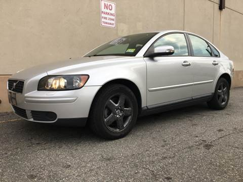 2007 Volvo S40 for sale at International Auto Sales in Hasbrouck Heights NJ