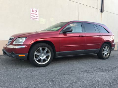 2006 Chrysler Pacifica for sale at International Auto Sales in Hasbrouck Heights NJ