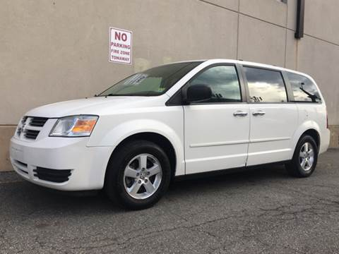 2009 Dodge Grand Caravan for sale at International Auto Sales in Hasbrouck Heights NJ