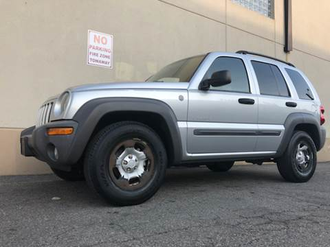2004 Jeep Liberty for sale at International Auto Sales in Hasbrouck Heights NJ