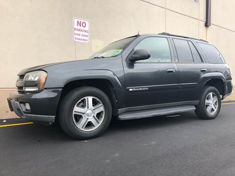 2004 Chevrolet TrailBlazer for sale at International Auto Sales in Hasbrouck Heights NJ