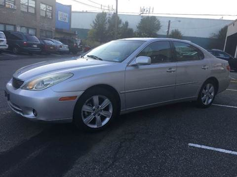 2005 Lexus ES 330 for sale at International Auto Sales in Hasbrouck Heights NJ