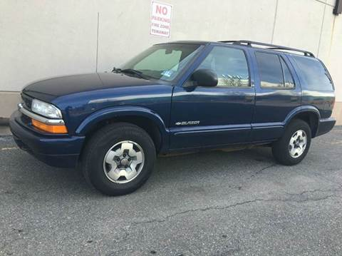 2002 Chevrolet Blazer for sale at International Auto Sales in Hasbrouck Heights NJ