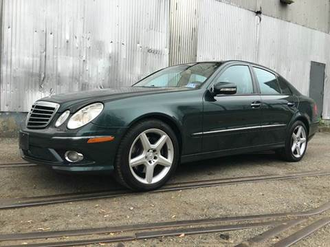 2009 Mercedes-Benz E-Class for sale at International Auto Sales in Hasbrouck Heights NJ