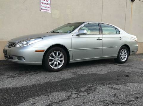 2004 Lexus ES 330 for sale at International Auto Sales in Hasbrouck Heights NJ