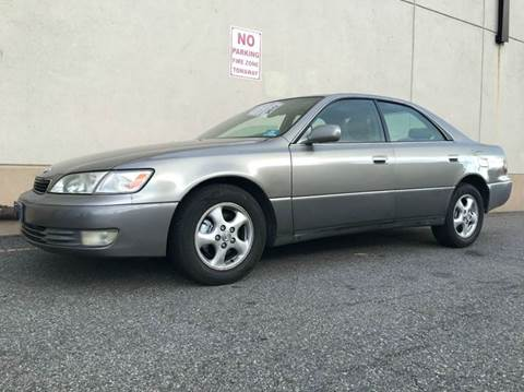 1997 Lexus ES 300 for sale at International Auto Sales in Hasbrouck Heights NJ