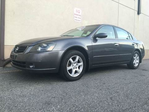 2005 Nissan Altima for sale at International Auto Sales in Hasbrouck Heights NJ