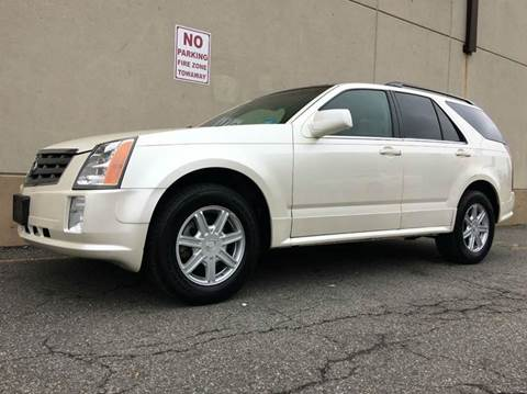 2005 Cadillac SRX for sale at International Auto Sales in Hasbrouck Heights NJ