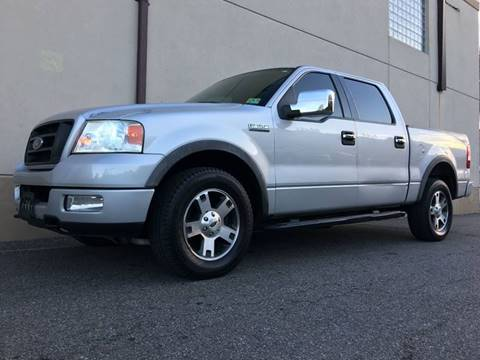 2004 Ford F-150 for sale at International Auto Sales in Hasbrouck Heights NJ